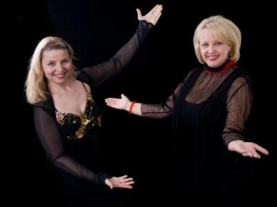 Lyn Gillett, Anita Paul